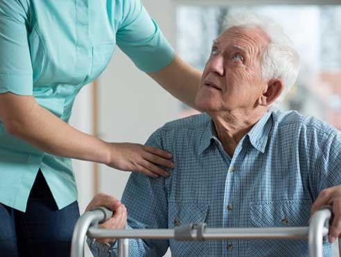 Auxiliar de geriatría y gereontología